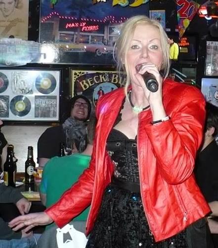 morgens um 3.30 Uhr durfte ich dann noch als vorletzte Sängerin den Titel Valerie singen